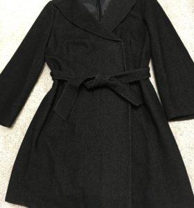 Шерстяное пальто 46