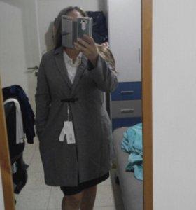 Новое пальто 50% шерсть