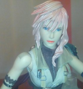 Фигурка Lightning Play Arts Kai FF 13