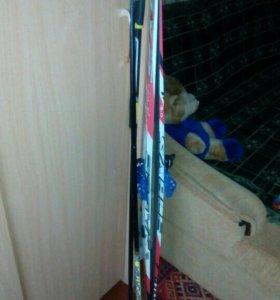 Лыжи,палки,крепления.