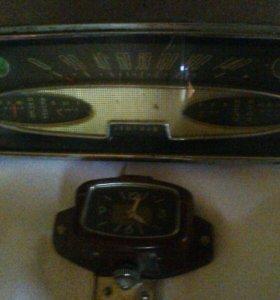 Щиток приборов и часы