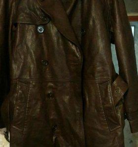 Пальто кожанное.