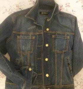 Джинсовый пиджак новый р S (44)