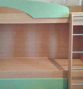 Продается кровать детская без матрасов