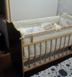 Детская кроватка-маятник c матрасом