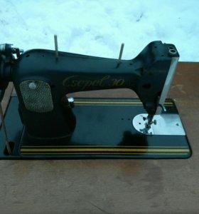 Швейная машинка Cepel 30