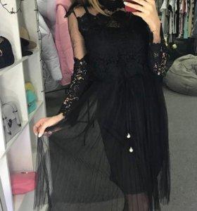 Модное круженое платье