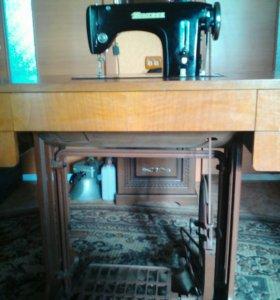 Полупрофессиональная швейная minerva-126