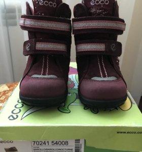 Продам детские ботинки ecco 21размера