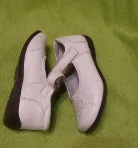 Туфли для девочки 30р.