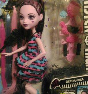 Monster High , стильные прически .