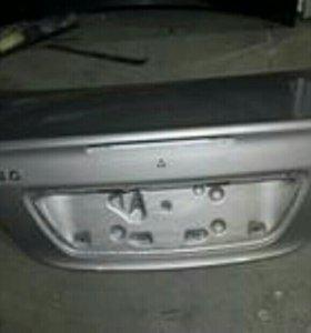 Крышка багажника на Мерседес W203