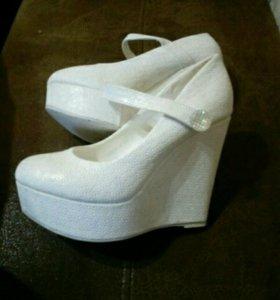 Туфли свадебные на платформе супер удобные 38 р!