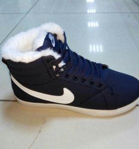 Распродажа кроссовки зимние Nike