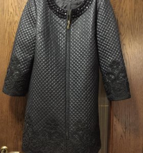 Новое пальто с камнями
