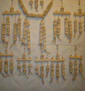 Игрушки для попугаев из натурального дерева