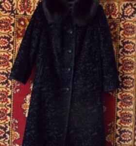 Женское , зимнее пальто.