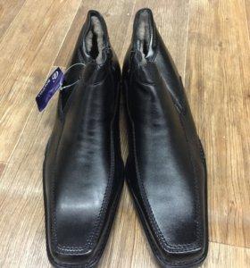 Ботинки мужские 45 размер новые