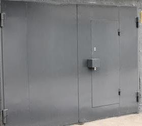 Ворота на гараж с калиткой.