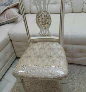 Фабричные стулья  из  бука