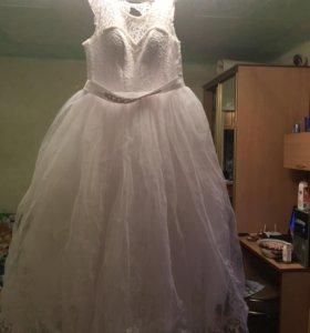 Очень красивое пышное свадебное платье