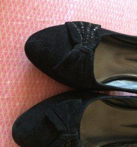 Туфли, новые 37 р.