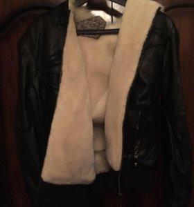 Продаю куртку кожаную на меху