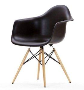 Кресло Eames пластиковое
