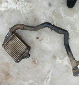 Радиатор охлаждения на B4 Volkswagen
