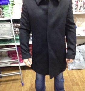 Пальто мужское с воротником