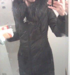 Зимнее женское пальто - пуховик