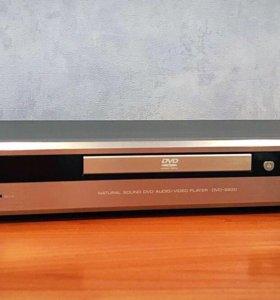 Yamaha DVD-S830 DVD-плеер