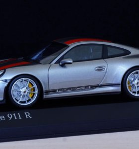 1:43 PORSCHE 911 R - Minichamps limited edition