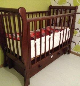 Кровать детская, матрас, бортик, одеяло