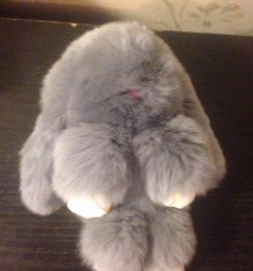 Меховой брелок заяц