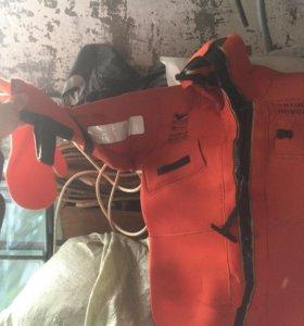 Гидрокостюм спасательный