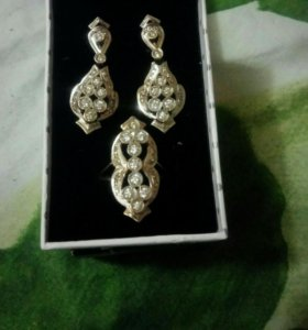 Золотое кольцо и серьги