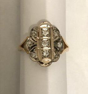 Золотое кольцо с бриллиантами 750 пробы