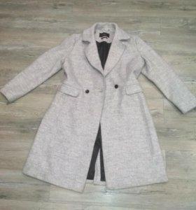 Пальто в идеальном состоянии. Срочно продаю!!!