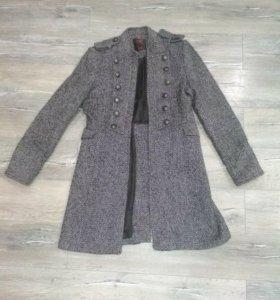 Пальто. В идеальном состоянии. Срочно продам!!!