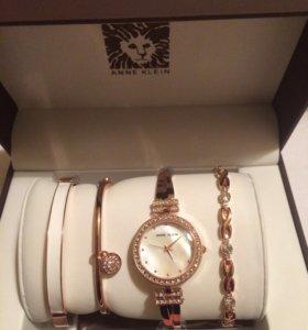 Женские часы Анна Кляйн с 3 браслетами
