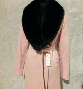 Новые женские зимние пальто с натуральным мехом