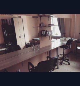 Зеркала (стол , полки )