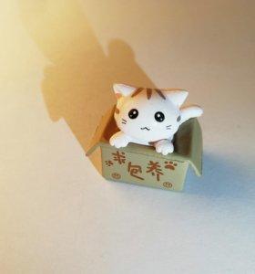 Фигурка котенка