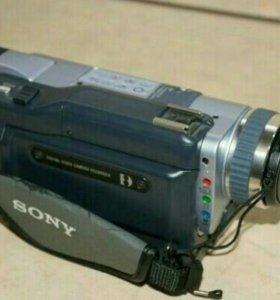 Продам видеокамеру.