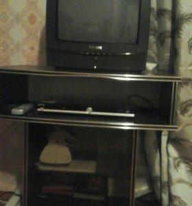 Телевизор с полкой