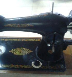 Швейная машина 1968 года.
