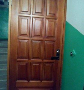 Дверь деревянная (массив) с коробкой, петлями