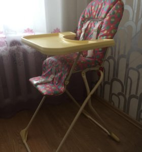 Детский стульчик, стол для кормления.