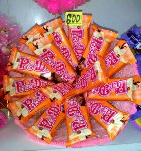 Шикарные букеты из конфет.